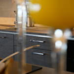 Designo, Nolte Küchen, Model Stone Basalt, Kombination Asteiche natur, Model Feel, Lacklaminat, Weiß Softmatt, Küchen-Wohnstudio Seegerer, Vilseck, Amberg, Auerbach, Königstein, Edelsfeld